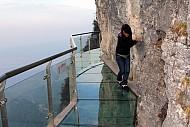 Thót Tim Với Những Cây Cầu Được Làm Bằng Kính Ở Trung Quốc